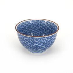 Japanese blue teacup in ceramic SEIGAIHA waves