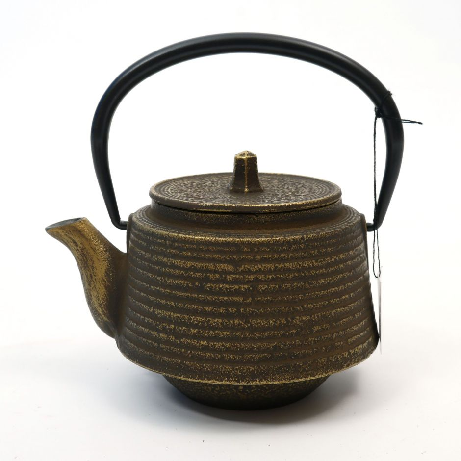 Japanese cast iron teapot from Japan, OIHARU SUJIME RIKYU 0,5lt, brown and gold