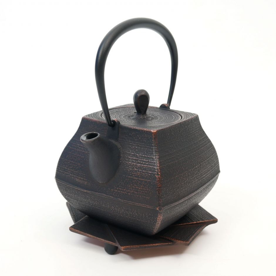 Japanese copper-colored cast iron teapot from Japan, ITCHU-DO SEKITEI + trivet