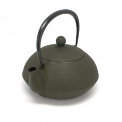 Japanese teapot cast iron, IWACHU HAKEME 0,65lt, brown
