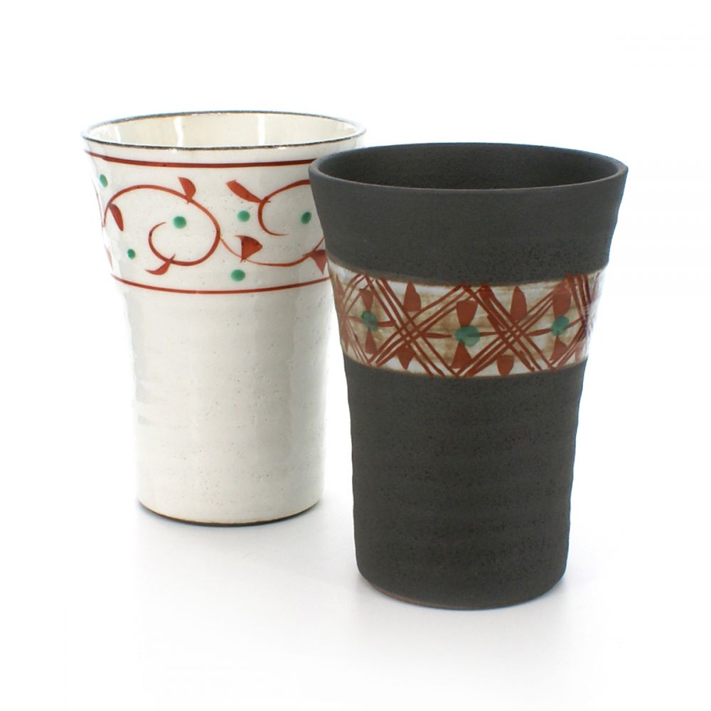 2 teacups set with red patterns black and white TEWAZA AKAE